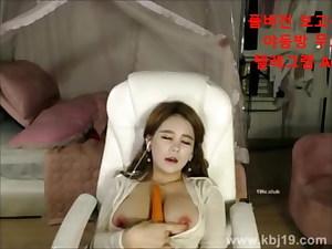 Korean BJ, sexy funbags